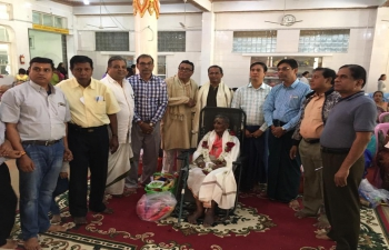 H.E.Mr.Nandan Singh Bhaisora , Consul General of India, Mandalay attended Honouring more than 100 Sr. Citizens age 61 to 105 yrs. organized by India Committee at Sanatan Temple, Mandalay on 22nd February , 2018 .