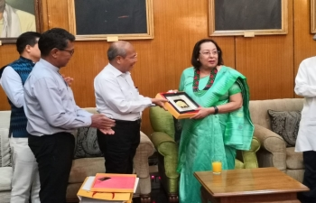 Dinner hosted by H.E. Madam Najma Heptulla, Governor of Manipur in Raj Bhawan in honour of Myanmar delegation. Discussions on Trilateral Highway, connectivity, commerce, culture, tourism, people to people contacts, hospital in Moreh etc. took place. Gifts exchanged with NLD & USDP leaders.