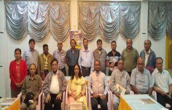 CG meeting with Persons of Indian Origin in Taunggyi and discussing about Culture Connectivity, language, providing better education, moral values, Scholarship Awareness, study in MIIT, Industrial Training Centre, Know India Programme, communal harmony, unity, weekly Indian language classes instead of only  during summer holidays etc.